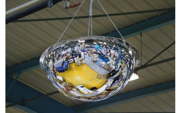 Miroir hémisphérique pour l'intérieur vision à 360°